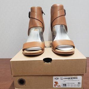 Women's UGG Claudette Heel Sandal almond